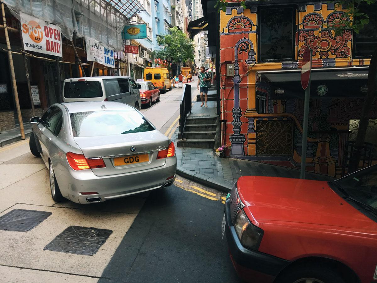 香港的街道真的就这么窄