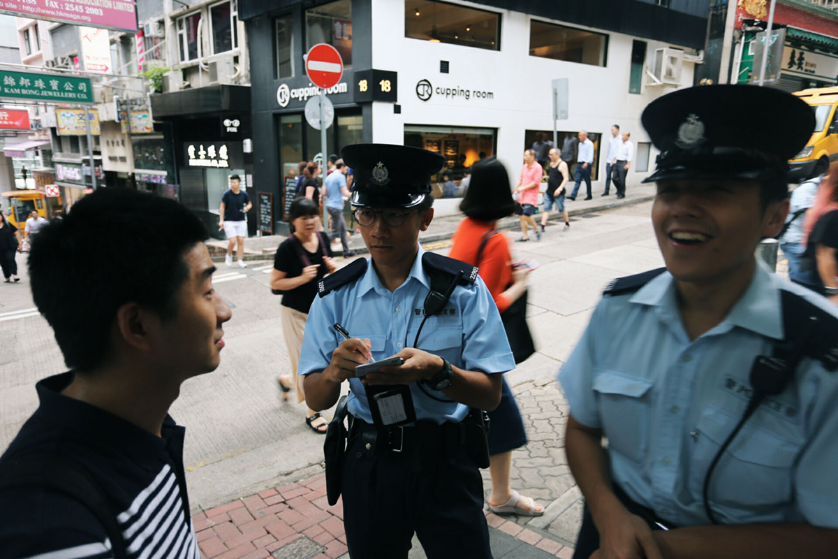 警察很TVB 不好意思,暴露年龄了