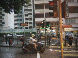 香港随时随地都会下雨