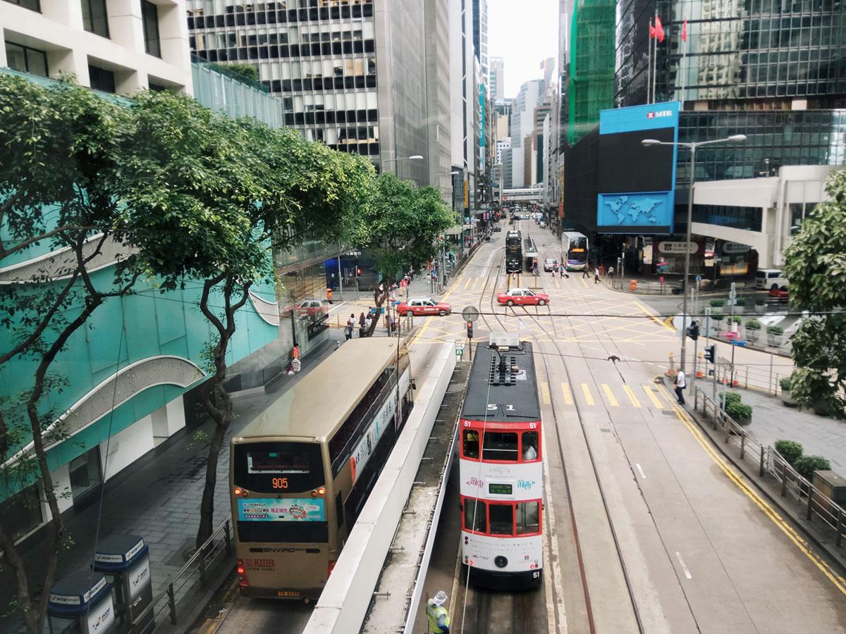 电车与公交车并用